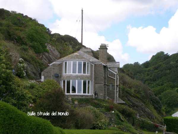 casa sulla scogliera