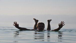 galleggiare mar morto