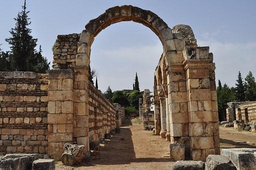 libano baalbek sito archeologico arco