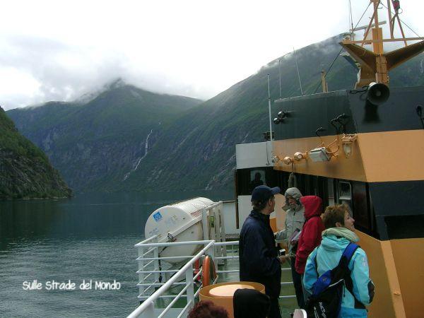 navigare nel fiordo