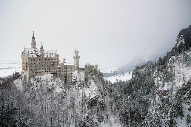 castello Neuschwanstein uno dei castelli più belli del mondo