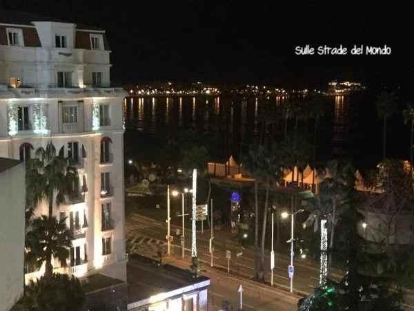 Canne panorama notturno dall'hotel majestic