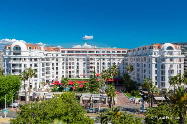 Hotel Le Majestic Barrière Cannes panoramica