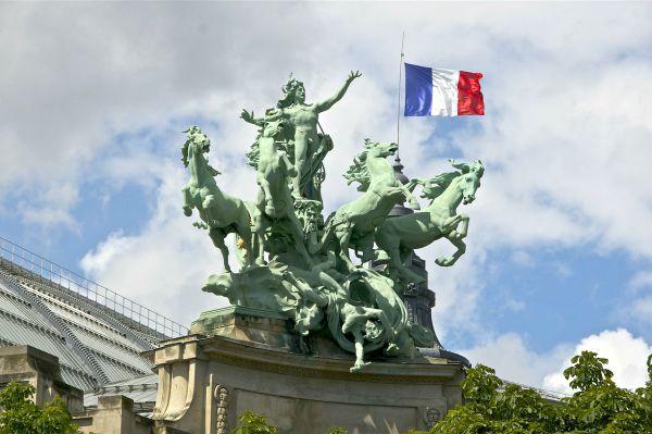 bandiera francese statua