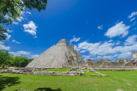 Uxmal piramide indovino