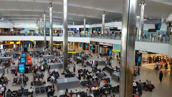 Brexit controlli all'Aeroporto Londra