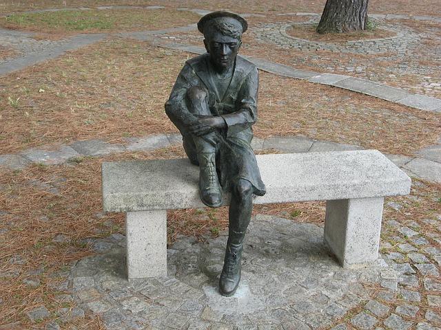 Statua di Giulio Verne