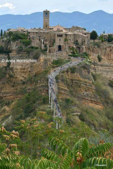 Ponte pedonale per raggiungere Civita di Bagnoregio