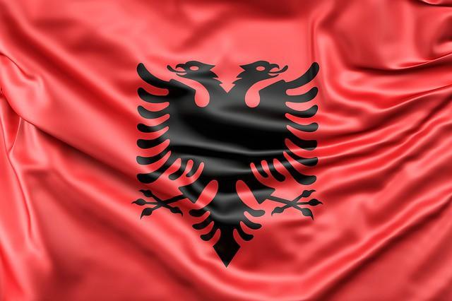 significato della bandiera albanese