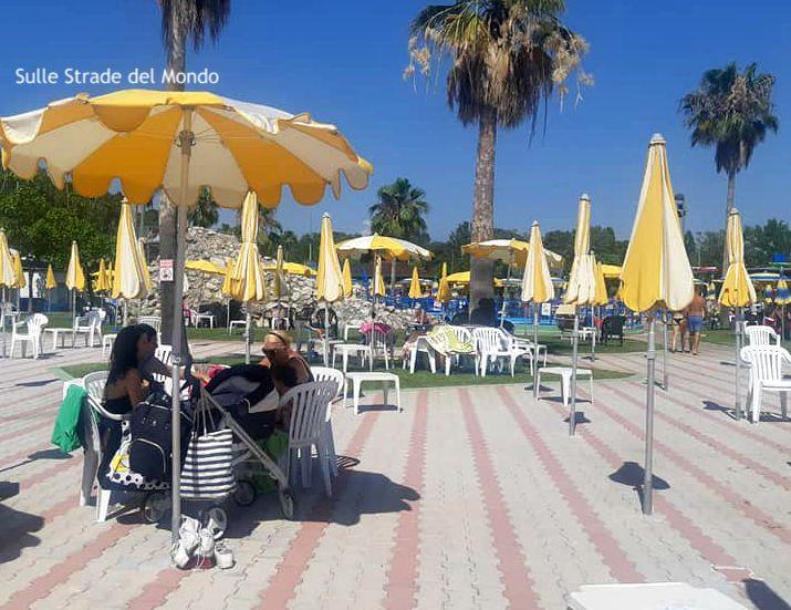Spazio ombrelloni all' Acquapark latina