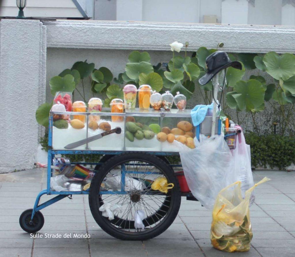 street food in thailandia è anche frutta