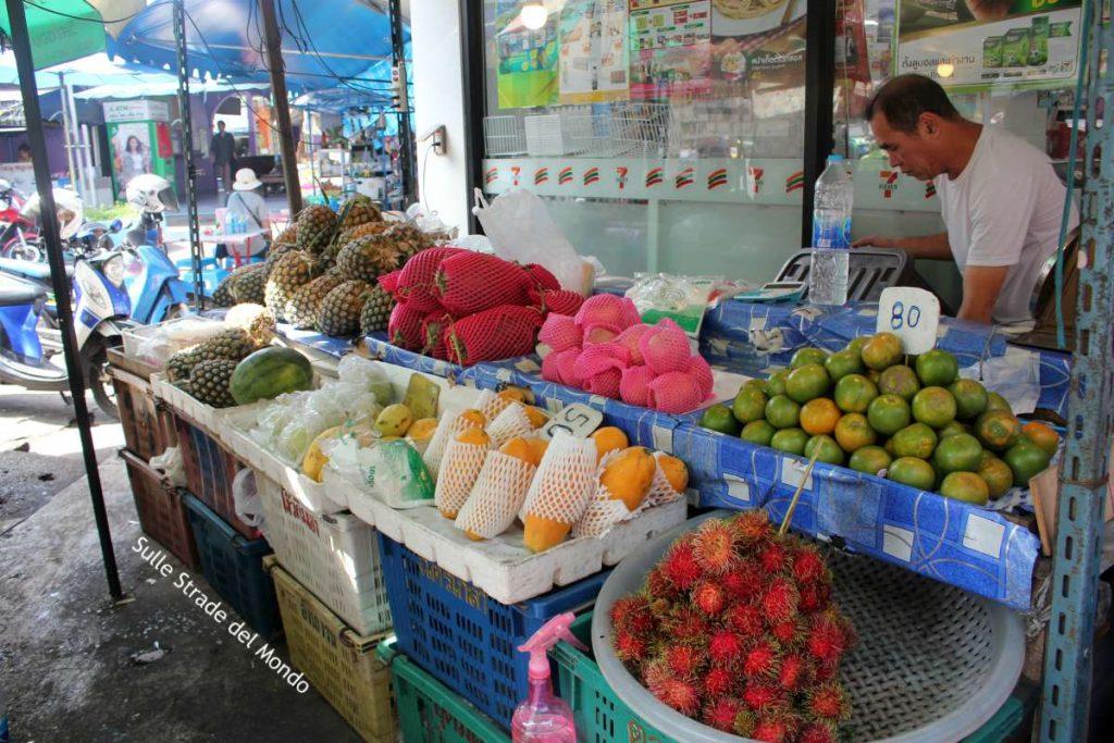 mercato frutta thailandia