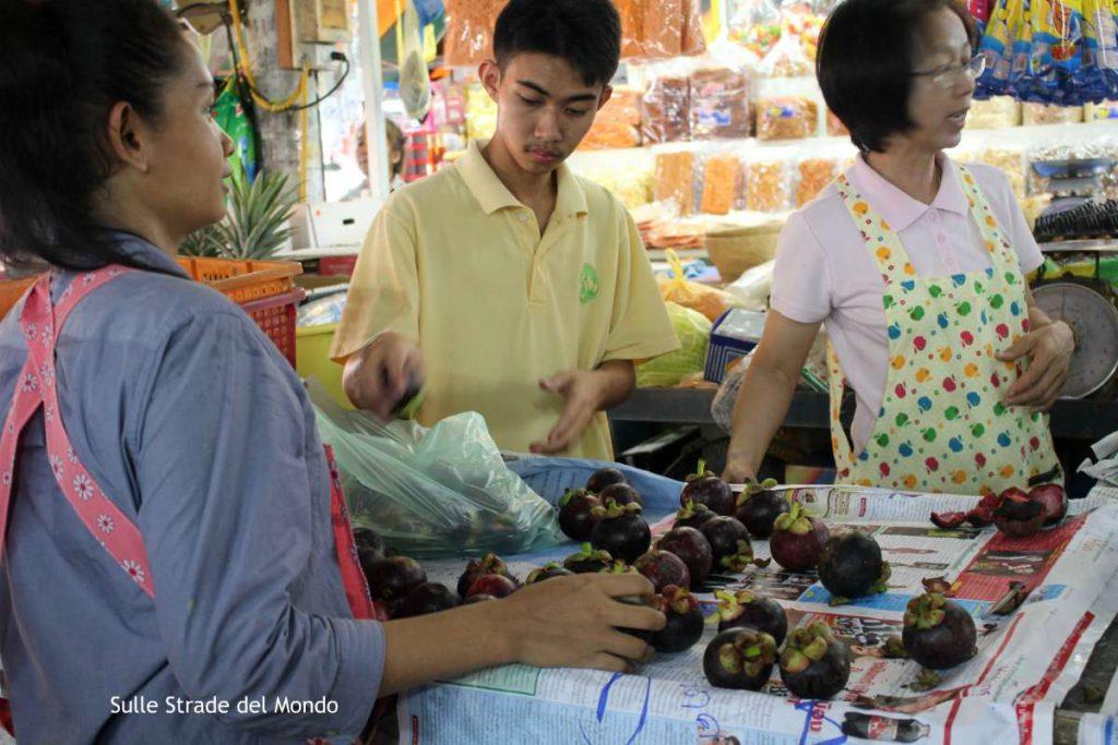 mercato di frutta della thailandia