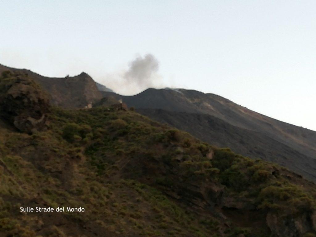 salita vulcano stromboli sentiero