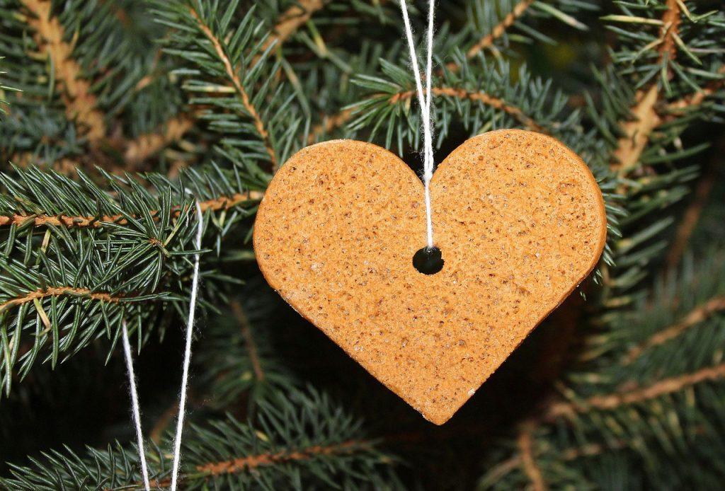 i pepparkakor  sono anche una decorazione natalizia