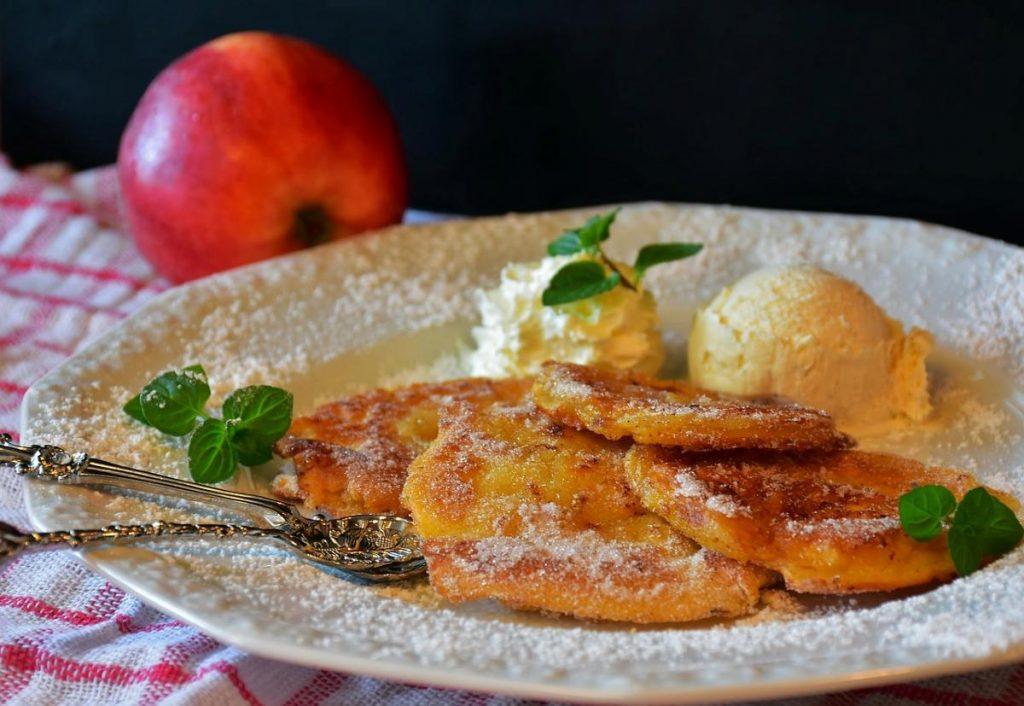frittelle di mele con gelato