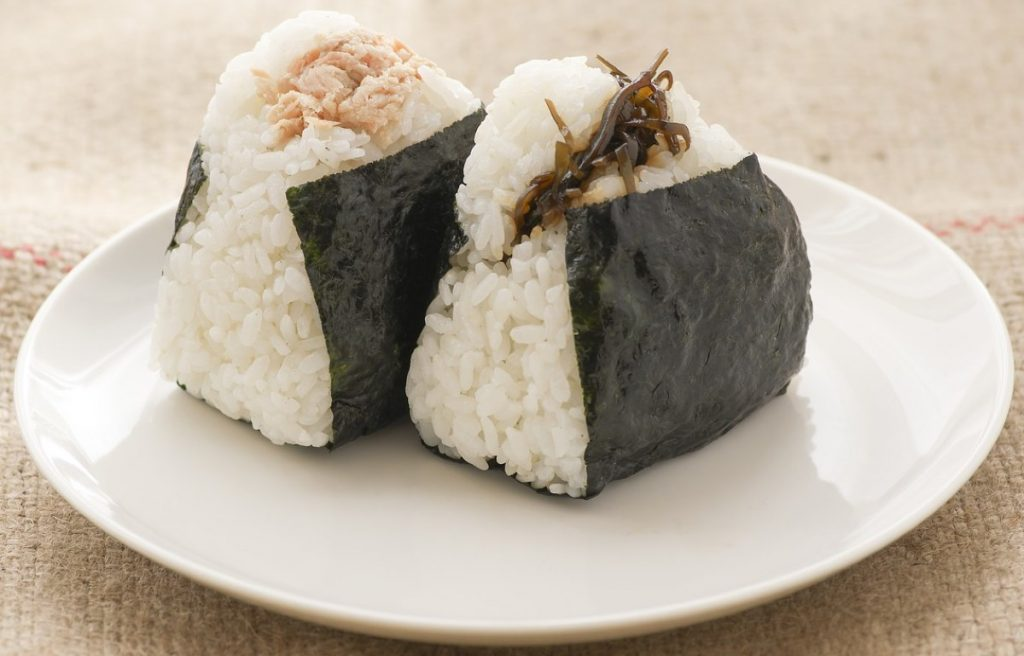 onigiri al tonno e alle verdure