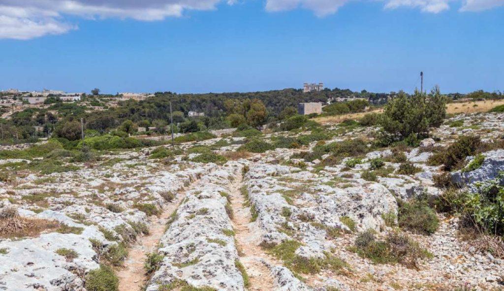 antichi e misteriosi binari preistorici presenti a Malta