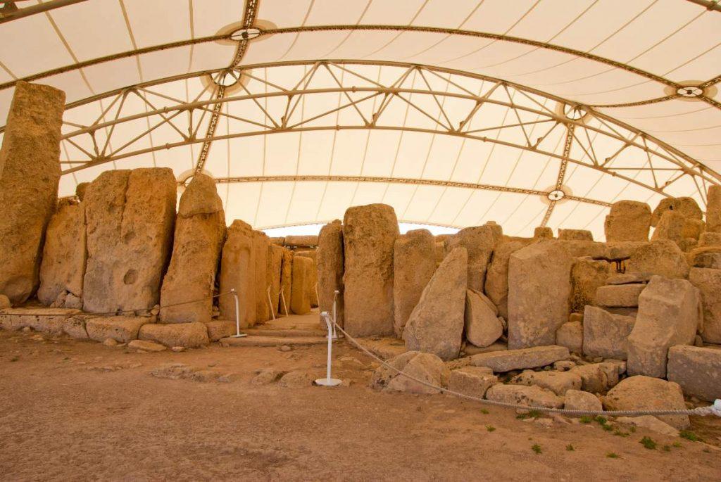 resti preistorici di Malta protetti da un telone