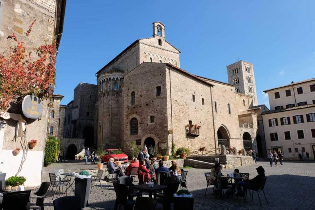 Cattedrale di Anagni, esterno