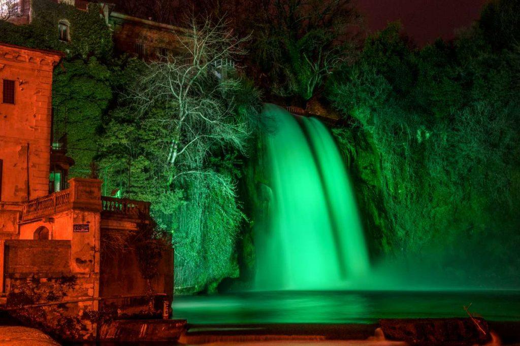 Cascata dell'isola di Liri verde