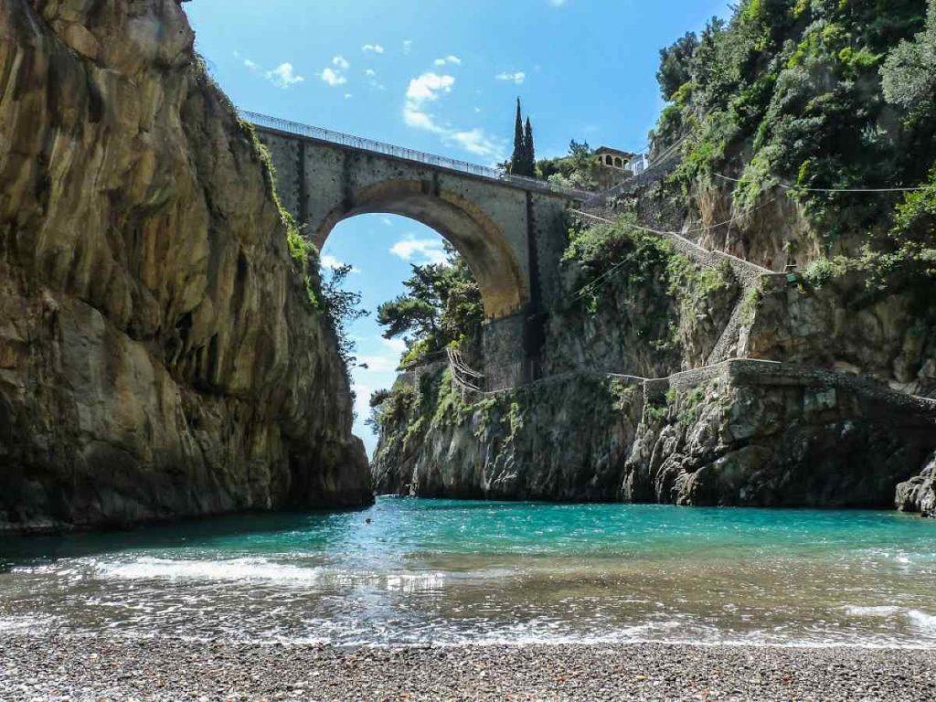 Una delle spiagge più belle della Campania: Fiordo di Furore