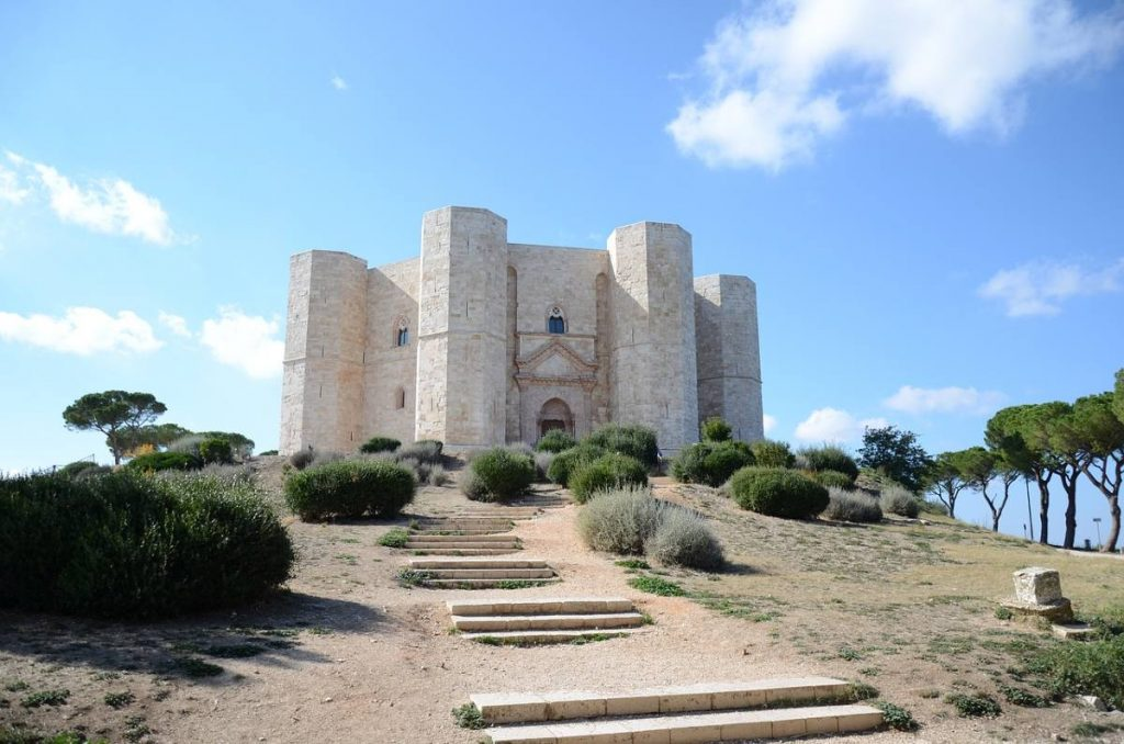 Tra i castelli più belli del mondo anche Castel del Monte in Puglia