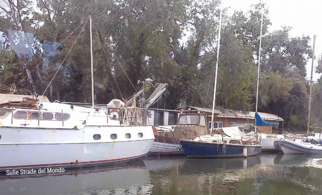 Barche sul Tevere